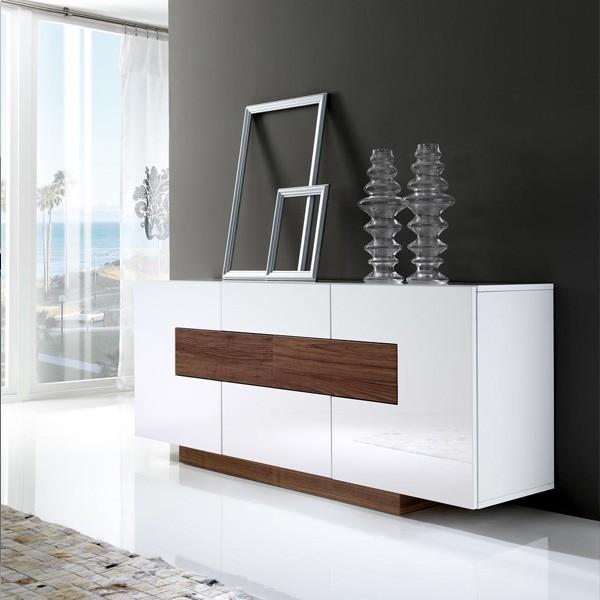 Mesa de comedor cuadrada en color blanco lacado alto for Aparadores blancos modernos